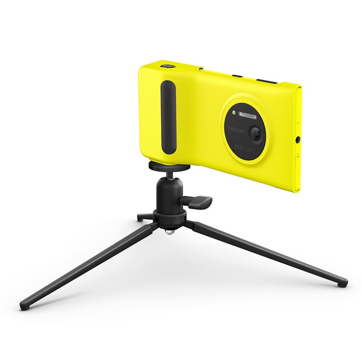 Camera-Grip-for-Nokia-Lumia-1020-with-tripod-jpg-1