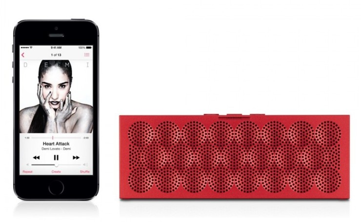 mini-jawbone-jambox-wireless-speaker-red-5-900x900