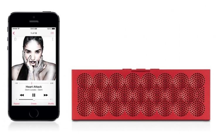 mini-jawbone-jambox-wireless-speaker-red-5-900x900